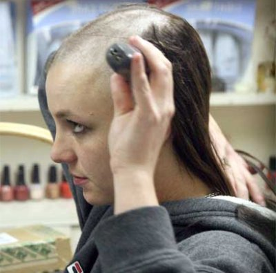 Britney-head-shave