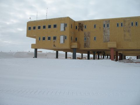 south_pole_building