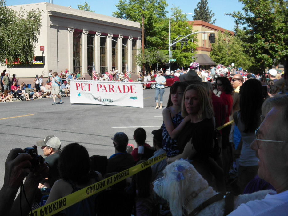 July 4th in Bend, Oregon, with Pets on Parade  | Probaway
