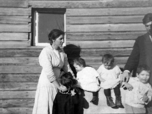 Bertha Lily (Aspinwall) Eidemiller & kids