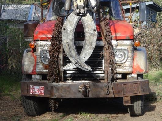 A grappling truck.
